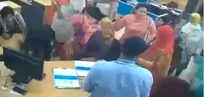 টেবিলেই মৃত্যুর কোলে ঢলে পড়লেন ব্যাংক কর্মকর্তা